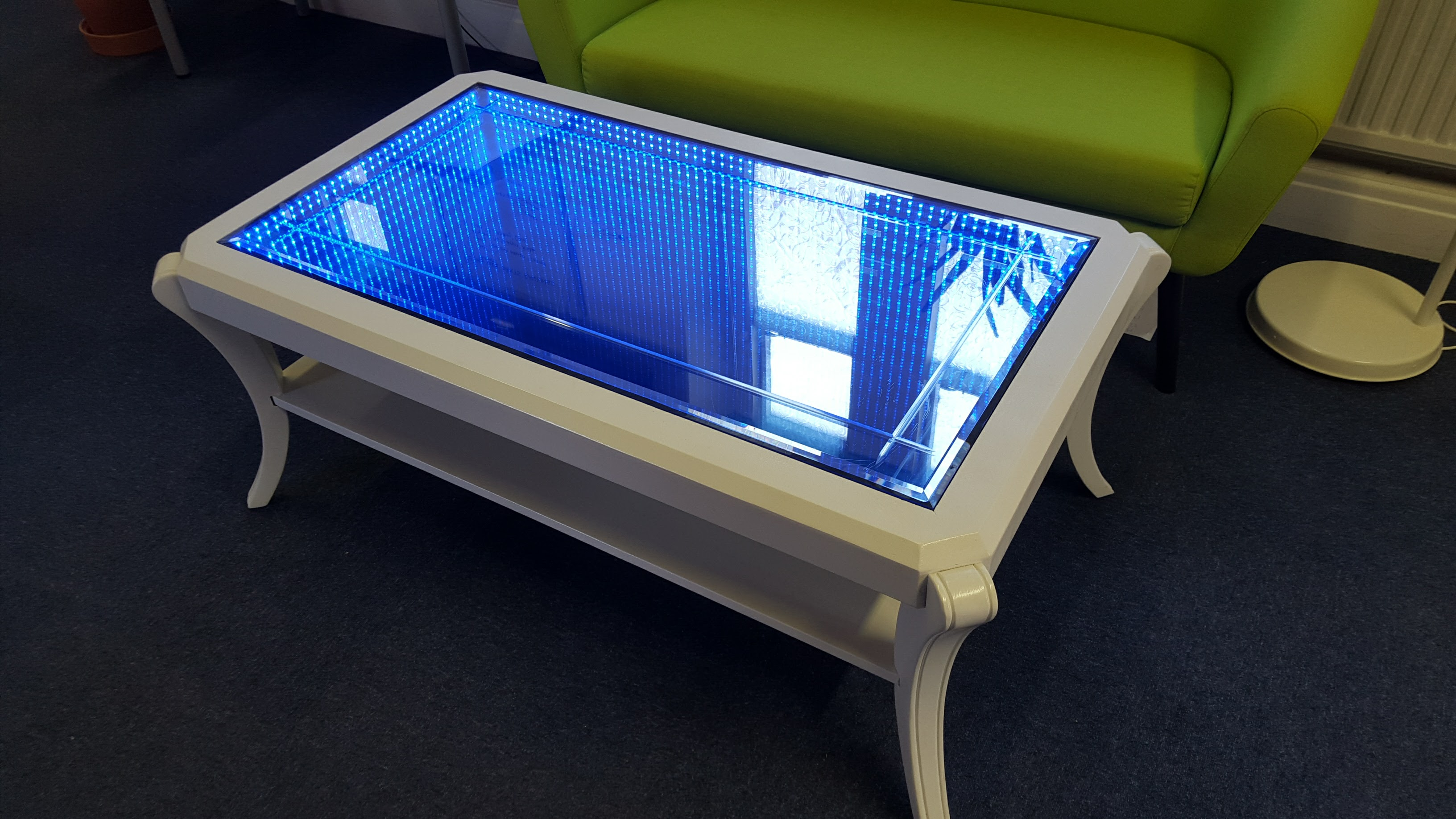 Infinity mirror table